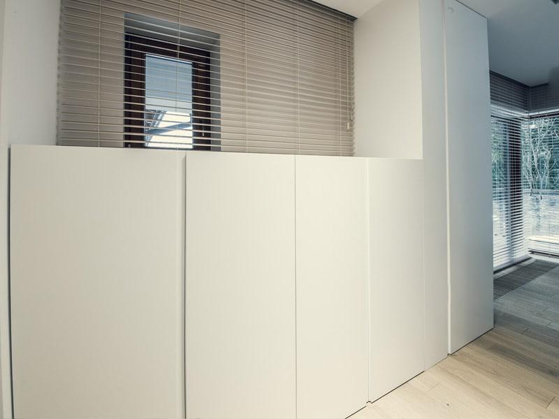 Białe lakierowane szafy na wymiar